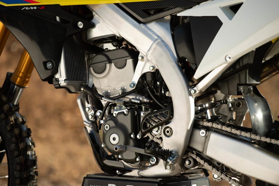 Кроссовый мотоцикл Suzuki rmz 250