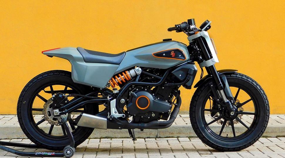 Пародия Harley Davidson 338 из Benelli 302S