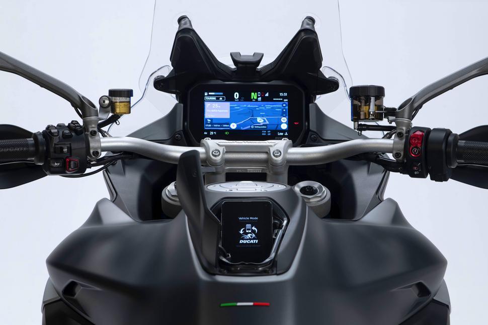 Ducati Multistrada V4 2021. Подробности про три версии
