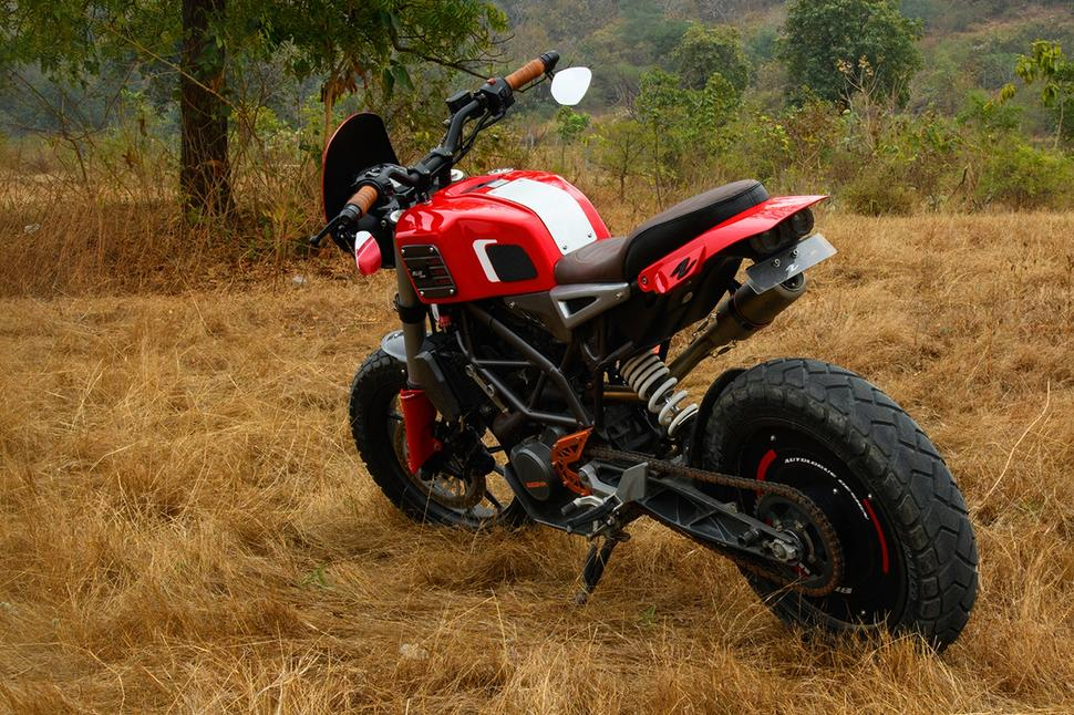 KTM Duke 200 для индийской звезды