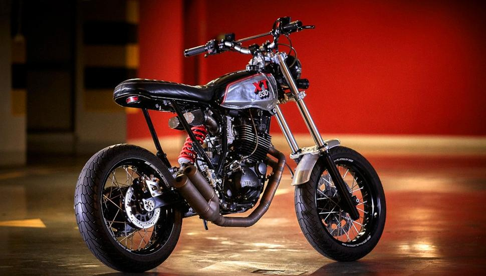 Кастомный супермотард Yamaha XT600